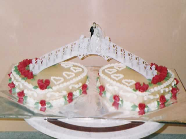 Torten Torte Hochzeit Minni Micky Maus 4 Stoeckig Jpg Pictures to pin ...